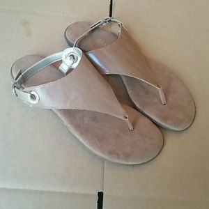 Aerosoles Conchlusion Sandals tan size 9